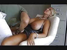 fuck mature sucking big-tits