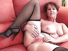amateur ass big-tits granny hot mammy mature milf posing