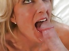 cumshot fuck hardcore high-heels housewife juicy licking mammy milf