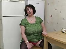 busty fuck glasses granny mature stocking ass bus