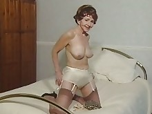 mature nylon solo stocking fingering granny
