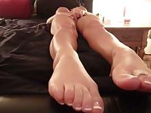 amateur big-tits boobs dildo feet foot-fetish juicy masturbation milf