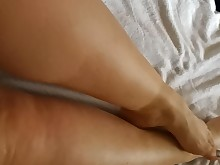 feet foot-fetish hairy juicy little mammy massage milf