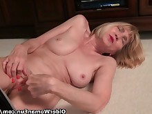 amateur boss granny little mature milf nylon panties pussy